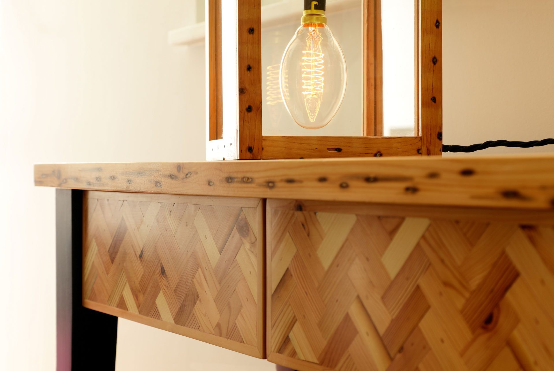 Parquet table modern lamp lightbulb