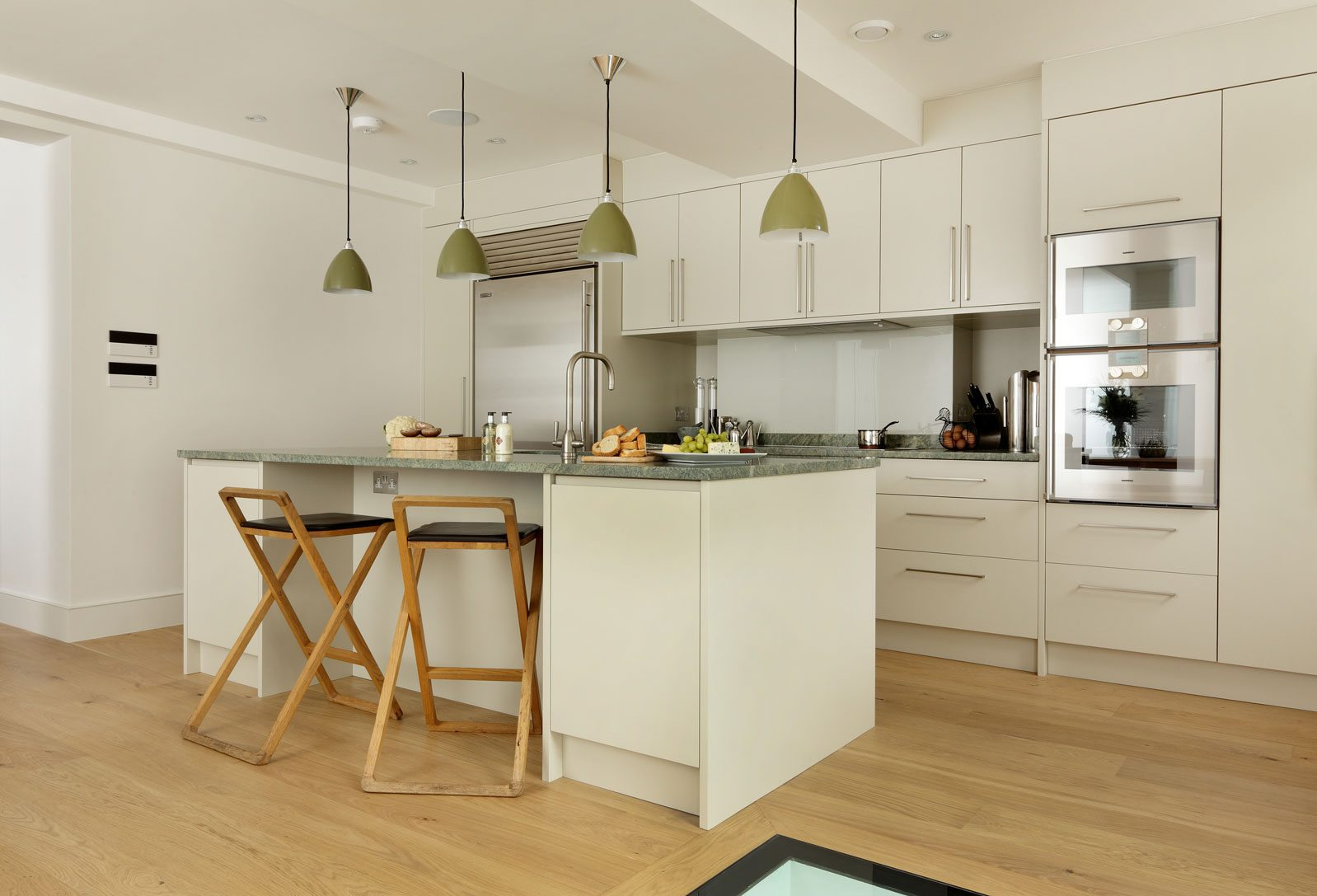 modern kitchen fitted units
