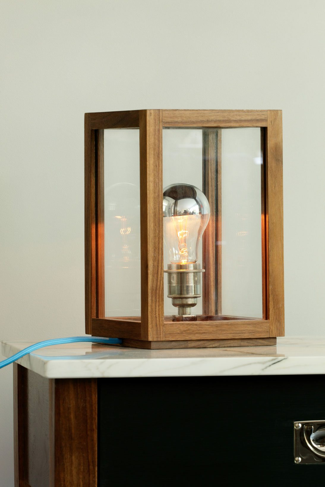 contemporary table lamp design